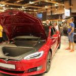 Los coches eléctricos Tesla, la fiebre del maletero