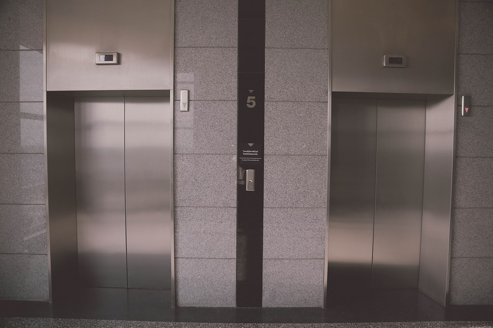 La instalación de un ascensor, una gestión para el administrador de tu comunidad de vecinos